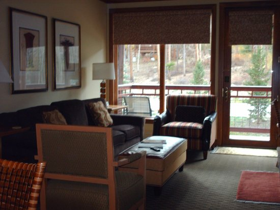 Valdoro Mountain Lodge: living area