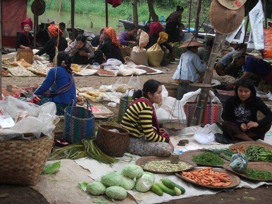Shan State, Myanmar: На рынке