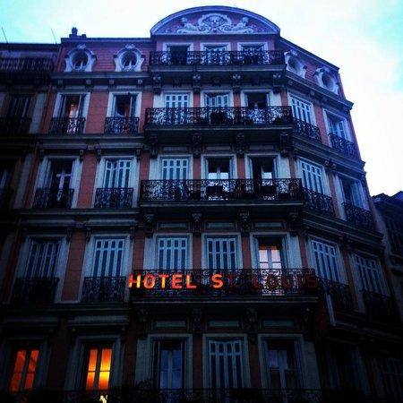 Hotel Saint Louis: Фасад