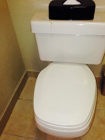 Country Inn & Suites By Carlson, Charlotte - I-85 Airport: Toilet