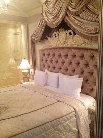 "Royal Casino Spa & Hotel Resort: Premium Suite ""Poker"""