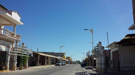 Cholla Mall