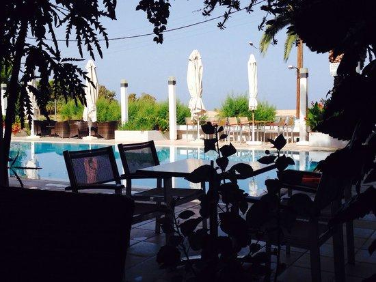 Kyparissia Beach Hotel : Бассейн