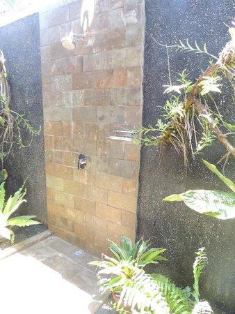 Pantai Karang: salle de bain