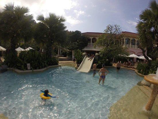 Centara Grand Beach Resort Phuket: Small Slide in kids pool