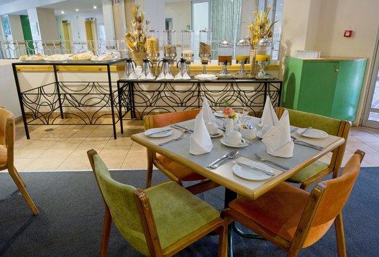 Holiday Inn Bulawayo: Phumulani Restaurant