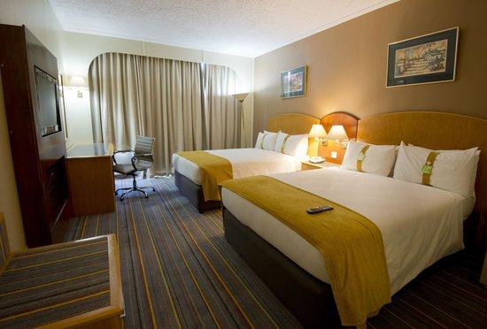 Holiday Inn Bulawayo: Twin Bedded room