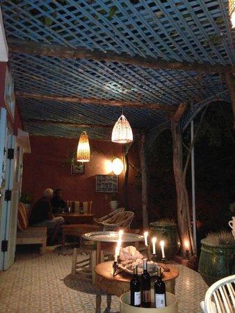 Maison d'hotes Dar Farhana: ambiance vespérale