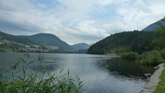 Baselga di Pine, Italy: Lago Di Serraia...