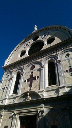 Santa Maria dei Miracoli: Schönes Gebäude