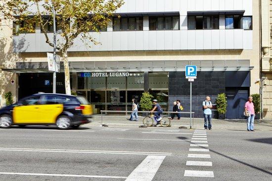 HCC Lugano: Entrance