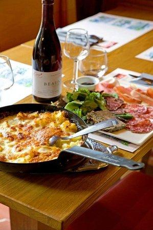Auberge Le Cantou: a table