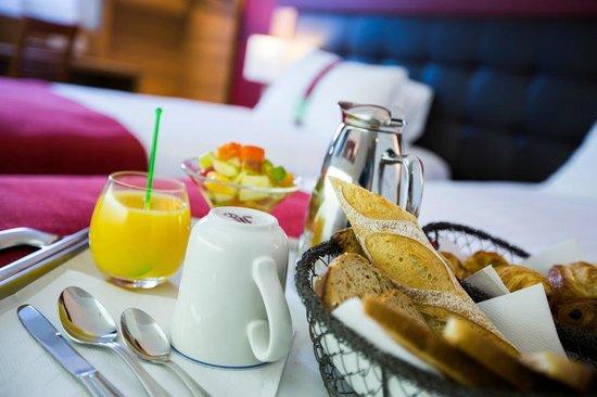 Holiday Inn Clermont Ferrand: Plateau Petit Déjeuner
