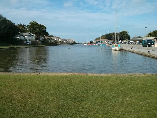 The Beach at Bude: The Canal