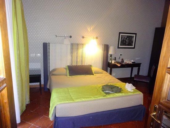 Inn Spagna Charming House - Frattina 122: Bedroom