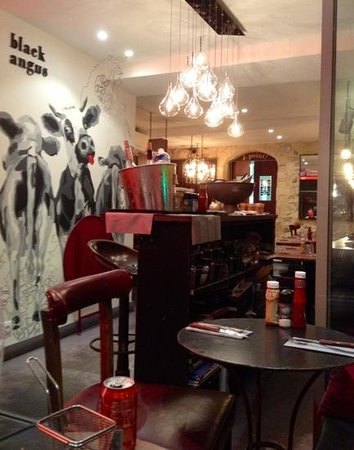 Au bon burger BB : retro comfy atmosphere
