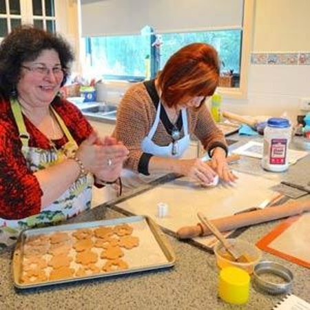 Dromana, Αυστραλία: Having so much fun in making some biscotti for afternoon tea