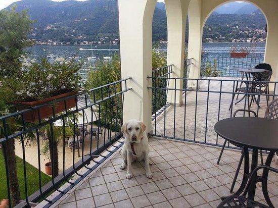 Bella Hotel & Leisure: La terrase de notre chambre avec vue sur le Lac de Garde