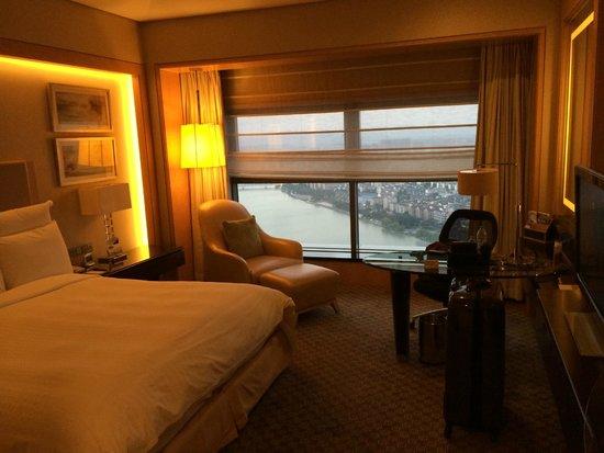 Ningbo Marriott Hotel : Room on the 34th floor