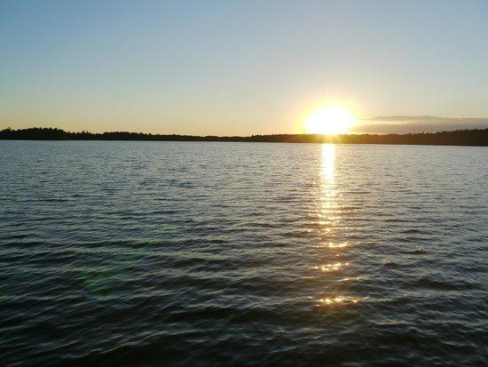 Chippewa Retreat Resort: Lakeside view