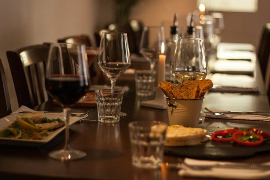 Sydney's Bistro: Parties welcome
