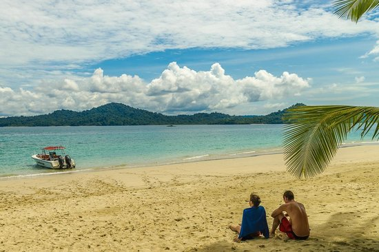 Panama Dive Center trip : Lunch time, resting and enjoying paradise, August 2014