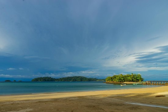 Panama Dive Center trip : Sunset is coming from Coiba beach, amazing light, August 2014