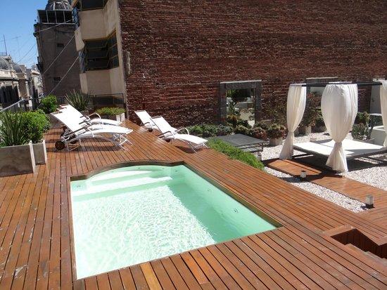 Azur Real Hotel Boutique: Area de convivência, com piscina, academia e restaurante