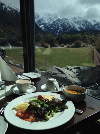 The Alpine Restaurant : Awesome view of mt cook!