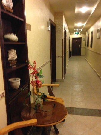 Captains Hotel: couloir de l'hôtel à notre étage