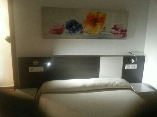 Pio XII Apartments Valencia : Bedroom was in good size