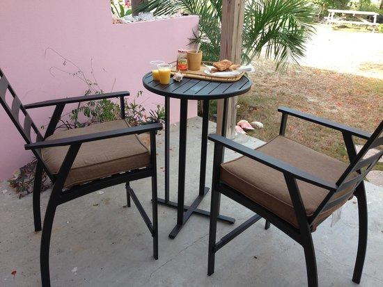 C Shells Guest Quarters : Morning breakfast
