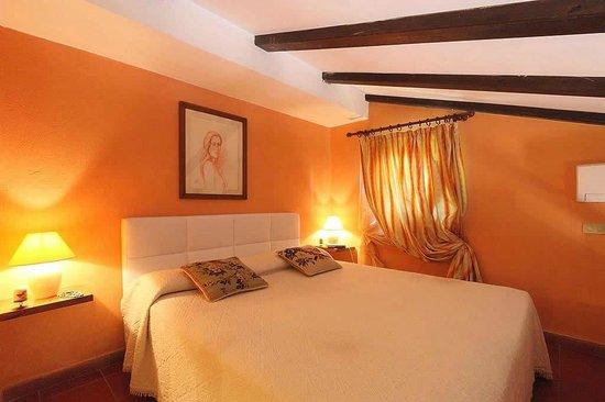 Farmhouse Residence Casa Italia: La nostra camera da letto / Appartamento n° 8