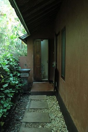 Bali Mountain Retreat : the traditional Balinese toilet is located outside the main portion of the house