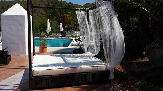 Hotel Rural Can Maries: CHILL-OUT PISCINA