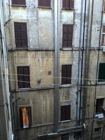 Visuale Camera Inquietante Foto Di Hotel Halifax Roma