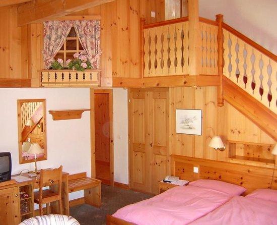 Alpe Fleurie Hotel & Residence: Suite Junior