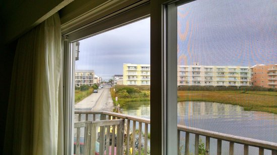 Lighthouse Club Hotel an Inn at Fager's Island: RM111 - They charge this as bay view