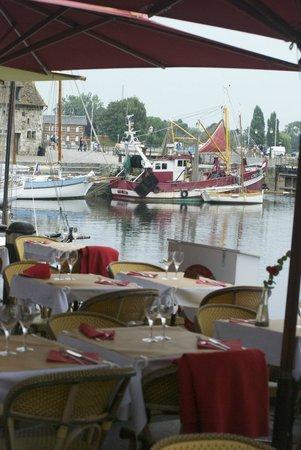 Hotel du Dauphin : Harborside restaurant