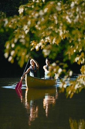 Parc de la Rivière-des-Mille-Îles : Canot  ©Tourisme Laval
