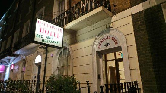 Macdonald Hotel : hotel