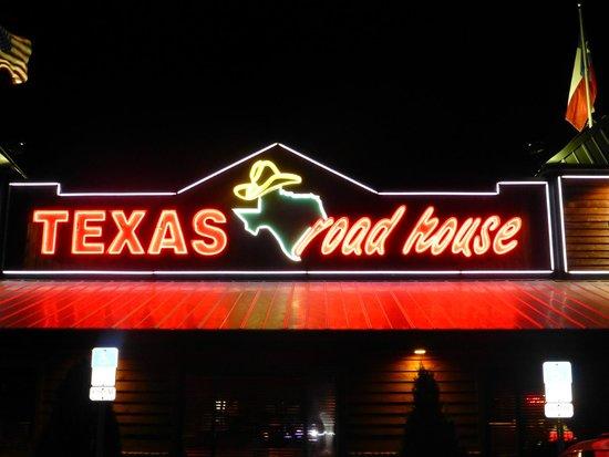 Texas Roadhouse: sign