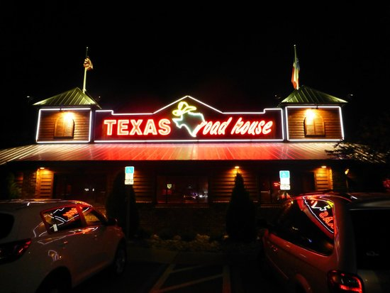 Texas Roadhouse: another of sign outside