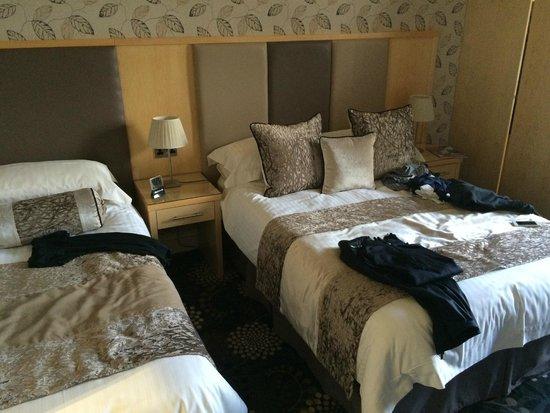 Inverlea Guest House: Unterschiedliche Betten, schön dekoriert