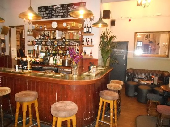 PubLove at the White Ferry House : Pub dell'ostello
