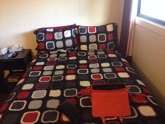 Highlander Motel: lit