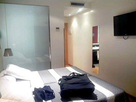 Hotel Bed4U Tudela : vue dans la chambre
