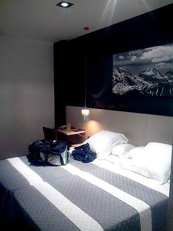 Hotel Bed4U Tudela : chambre