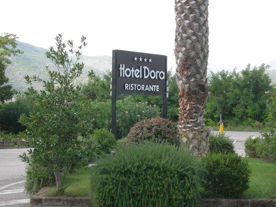 Ristorante quattro stelle foto di hotel dora pozzilli for Quattro stelle arredamenti prezzi