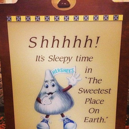 ‪‪Hershey Lodge‬: The cute sign in the lobby.‬